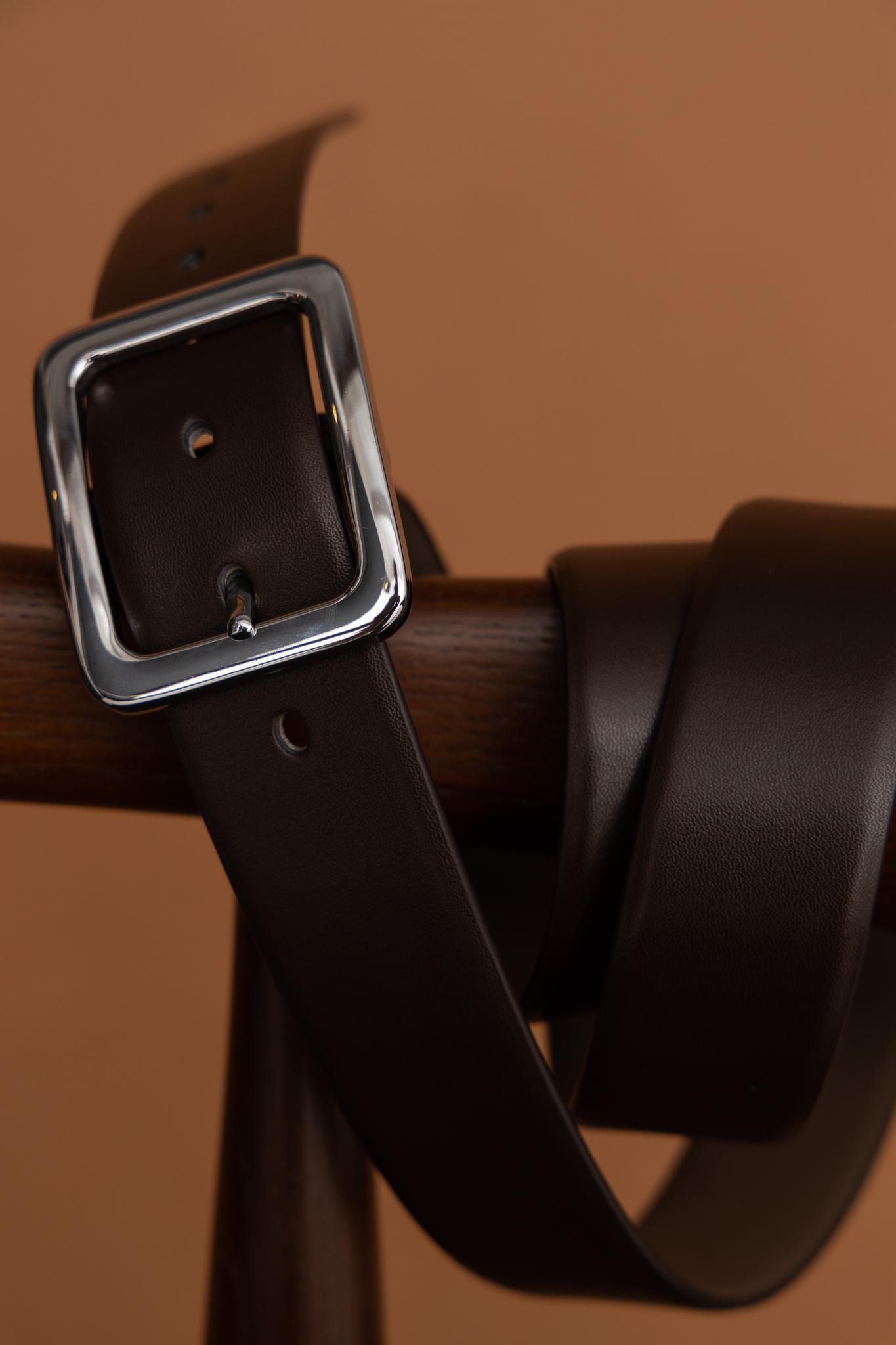 Ремень с коричневый из натуральных материалов