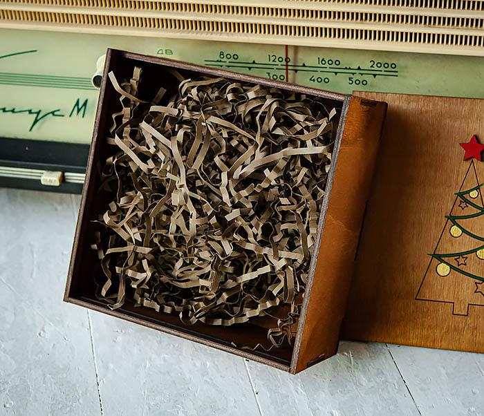 BOX247-2 Подарочная новогодняя коробка со звездой и елкой (17*17*7 см) фото 06
