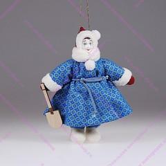 Ёлочная кукла Девочка с лопатой