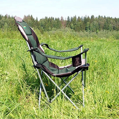 Кресло складное Canadian Camper CC-121, на природе.