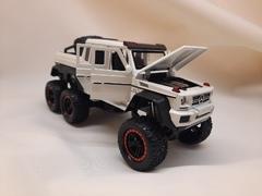 Металлическая Машина  монстер-трак Mercedes-Benz G63 белая
