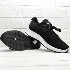 Текстильные кроссовки черные с белой подошвой женские Fashion Leisure QQ116.
