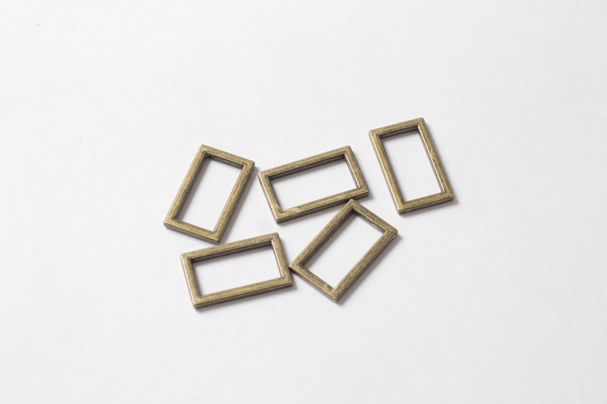 Металлическая рамка 11х25 мм, бронза.
