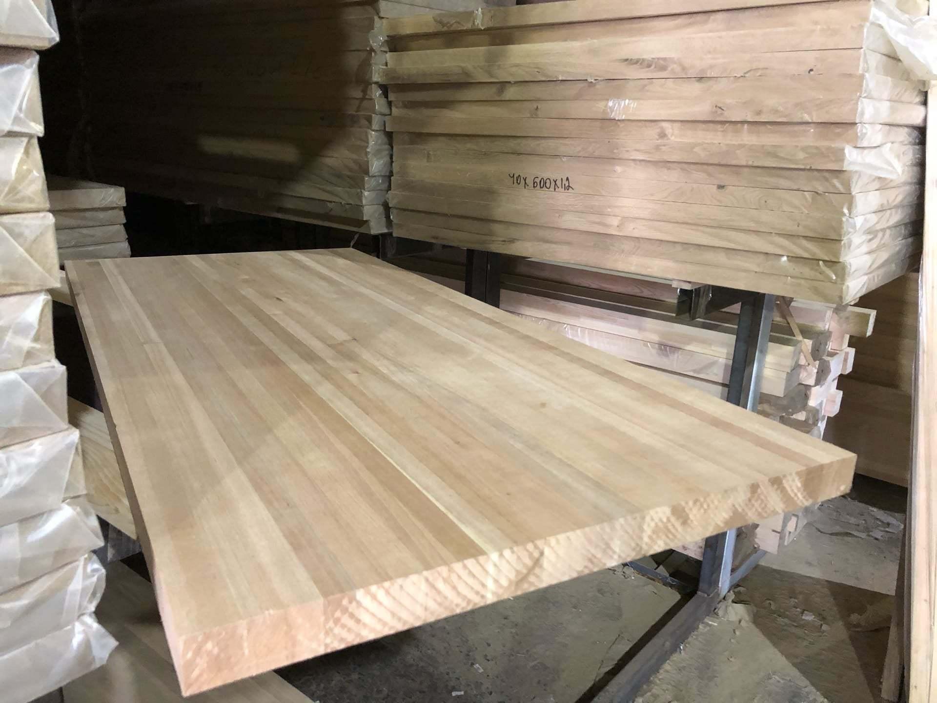 Мебельный щит из ореха (цельноламельный)