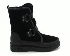 Черные ботинки на массивной подошве