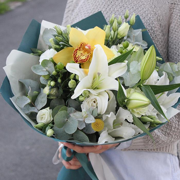 Купить букет с орхидеями и лилиями в Перми