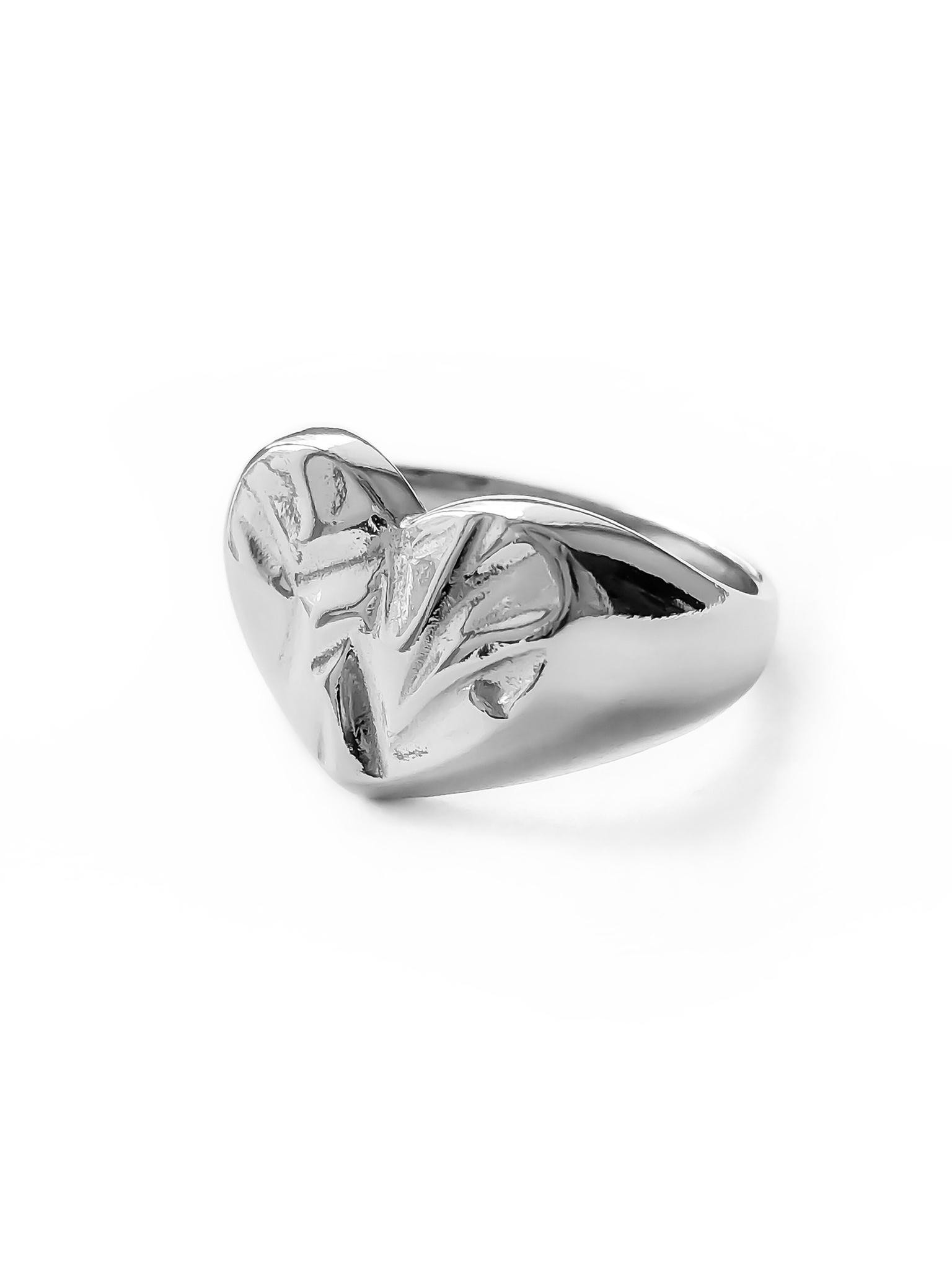 Серебряное кольцо печатка сердце