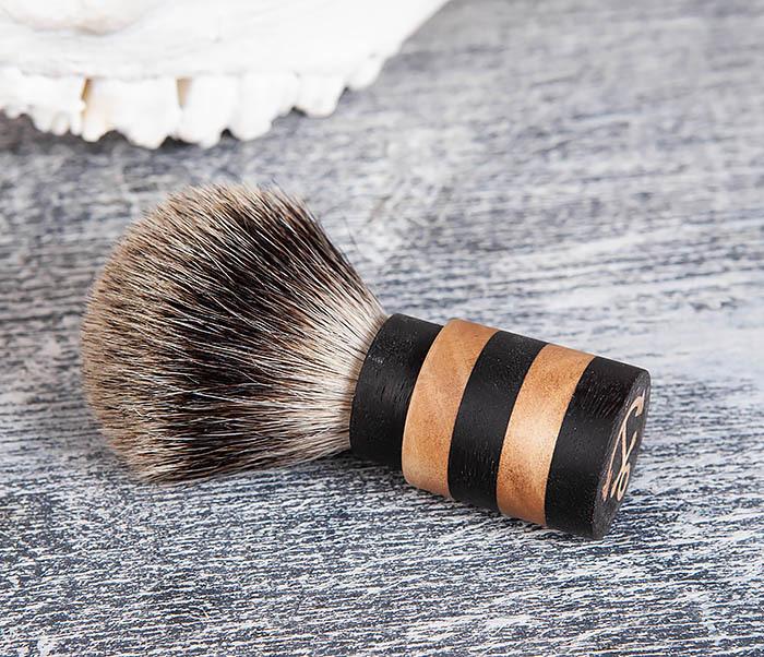 RAZ381 Помазок из барсучего волоса с деревянной рукояткой фото 03