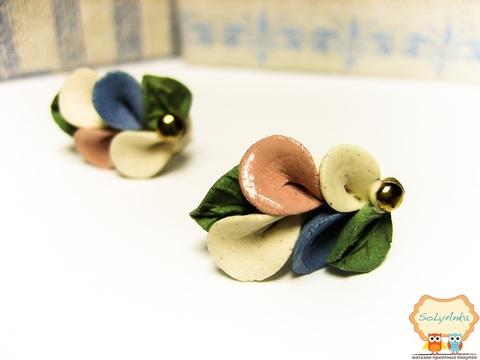 Порцелянові сережки Кали кольорові