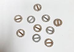 Пряжка со стразами декоративная круглая, пластиковая, 20 мм, 1 шт.