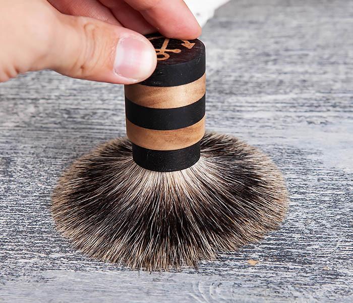 RAZ381 Помазок из барсучего волоса с деревянной рукояткой фото 06