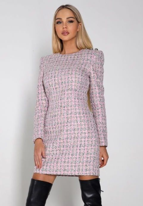 Приталенное твидовое платье