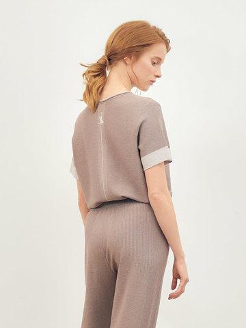 Женская футболка темно-кофейного цвета из вискозы - фото 4