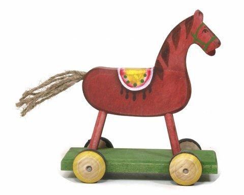 Лошадка на платформе