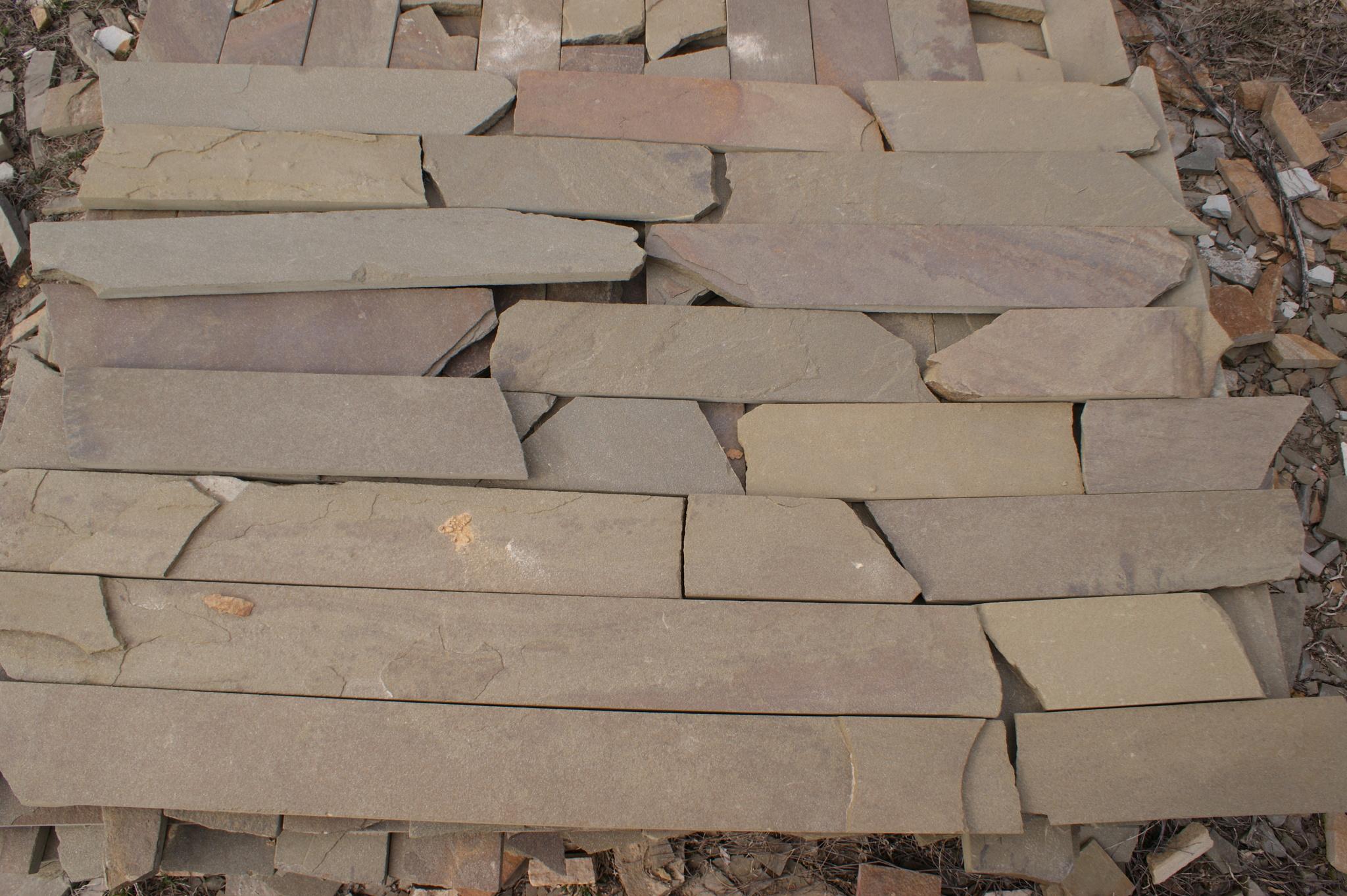 плитка песчаник серая пиленная с 2-х сторон, образец для облицовки на карьере