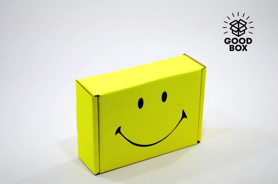 Подарочная коробка желтая смайлик купить в Казахстане