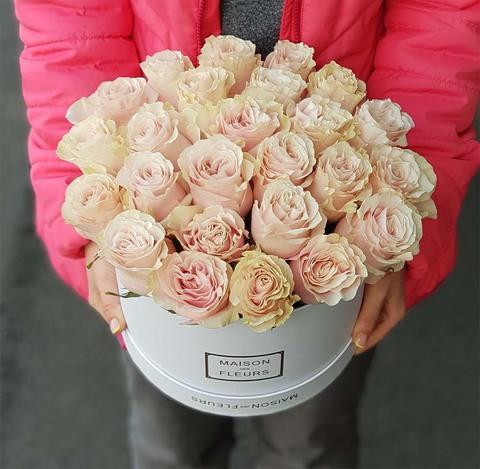 Коробка с розовой розой