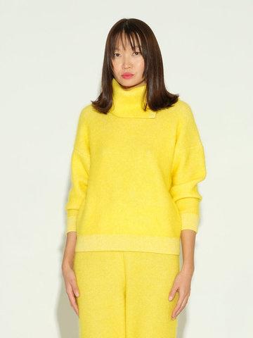 Женский свитер желтого цвета из мохера и кашемира - фото 2