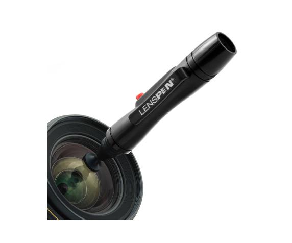 Карандаш для чистки оптики Lenspen LP-1 - фото 1 - полная очистка без следов
