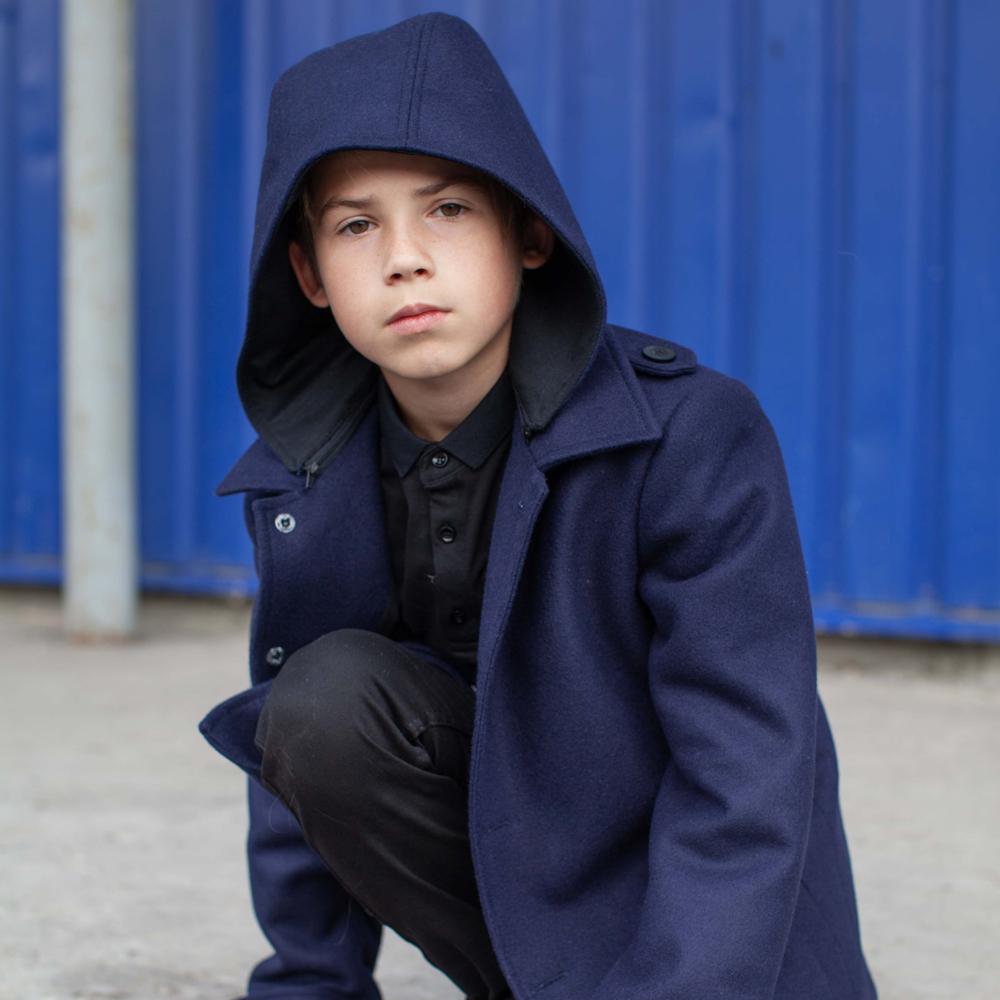 Підліткове кашемірове пальто синього кольору на хлопчика