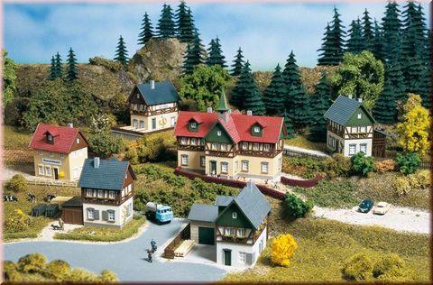 Небольшая деревня с Школой, (TT)