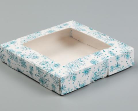 Коробка со снежинками 16*16*3см