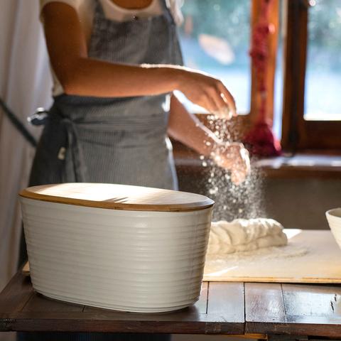 Хлебница с бамбуковой крышкой Tierra 10 л молочно-белая