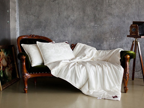 Одеяло шелковое стеганое 200x220 «Luxury Silk Grass» легкое