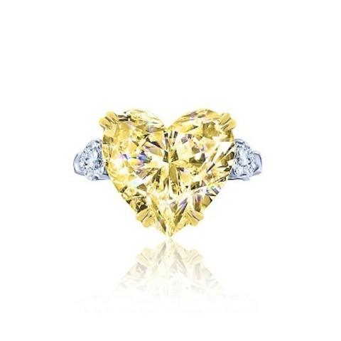 4892- Кольцо из серебра с желтым цирконом в форме сердца