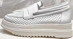 Модные лоферы кроссовки на высокой подошве женские Derem 372-17 All White.