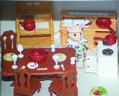 Супер большой набор кукольной мебели Happy Family с семейкой Village Story