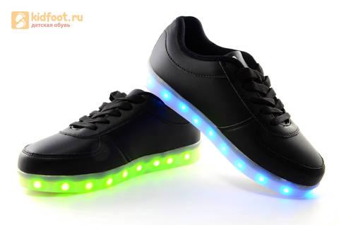 Светящиеся кроссовки с USB зарядкой Fashion (Фэшн) на шнурках, цвет черный, светится вся подошва. Изображение 11 из 27.