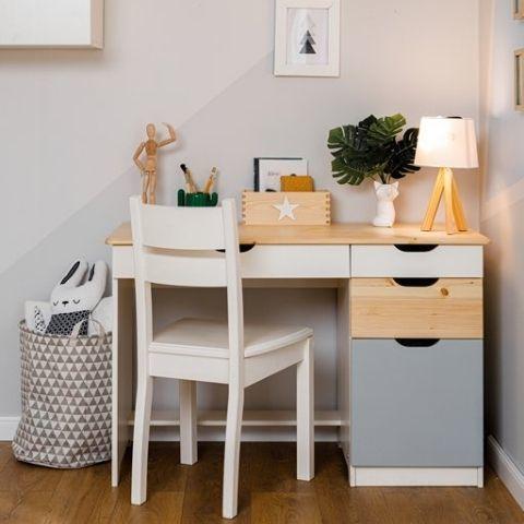 Письменный стол из массива дерева Кидс (белый/лак/голубой)