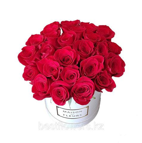 25 роз в белой коробке