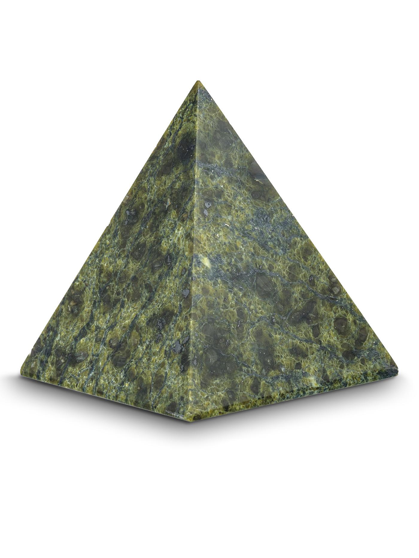 Пирамидка из натурального змеевика