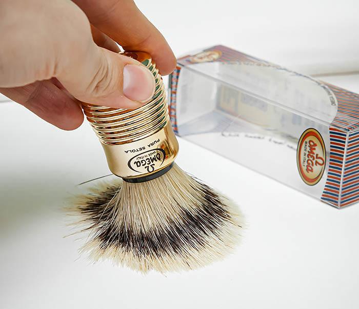 RAZ505 Помазок «OMEGA» из щетины кабана с рукояткой золотистого цвета фото 05