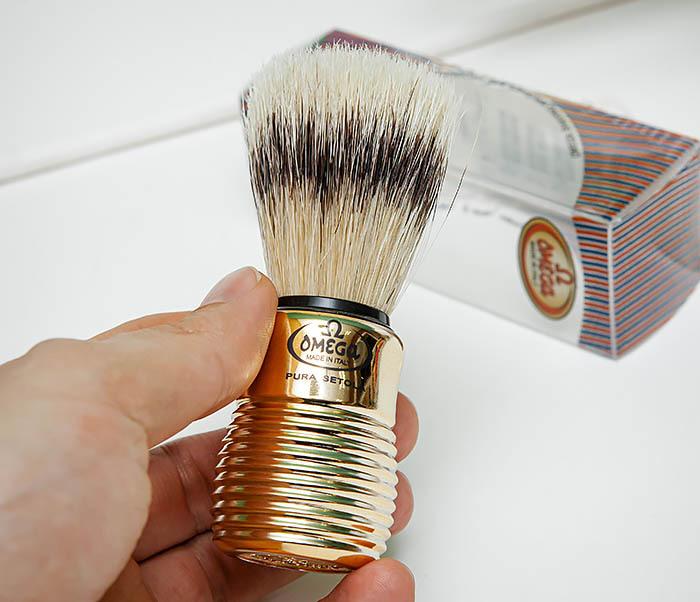 RAZ505 Помазок «OMEGA» из щетины кабана с рукояткой золотистого цвета фото 06