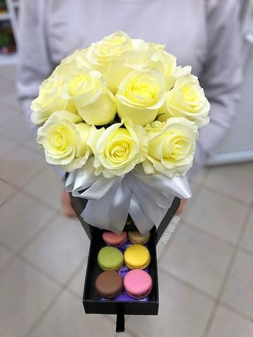 11 роз в шляпной коробке ( цилиндр с потайным ящиком ) #1779