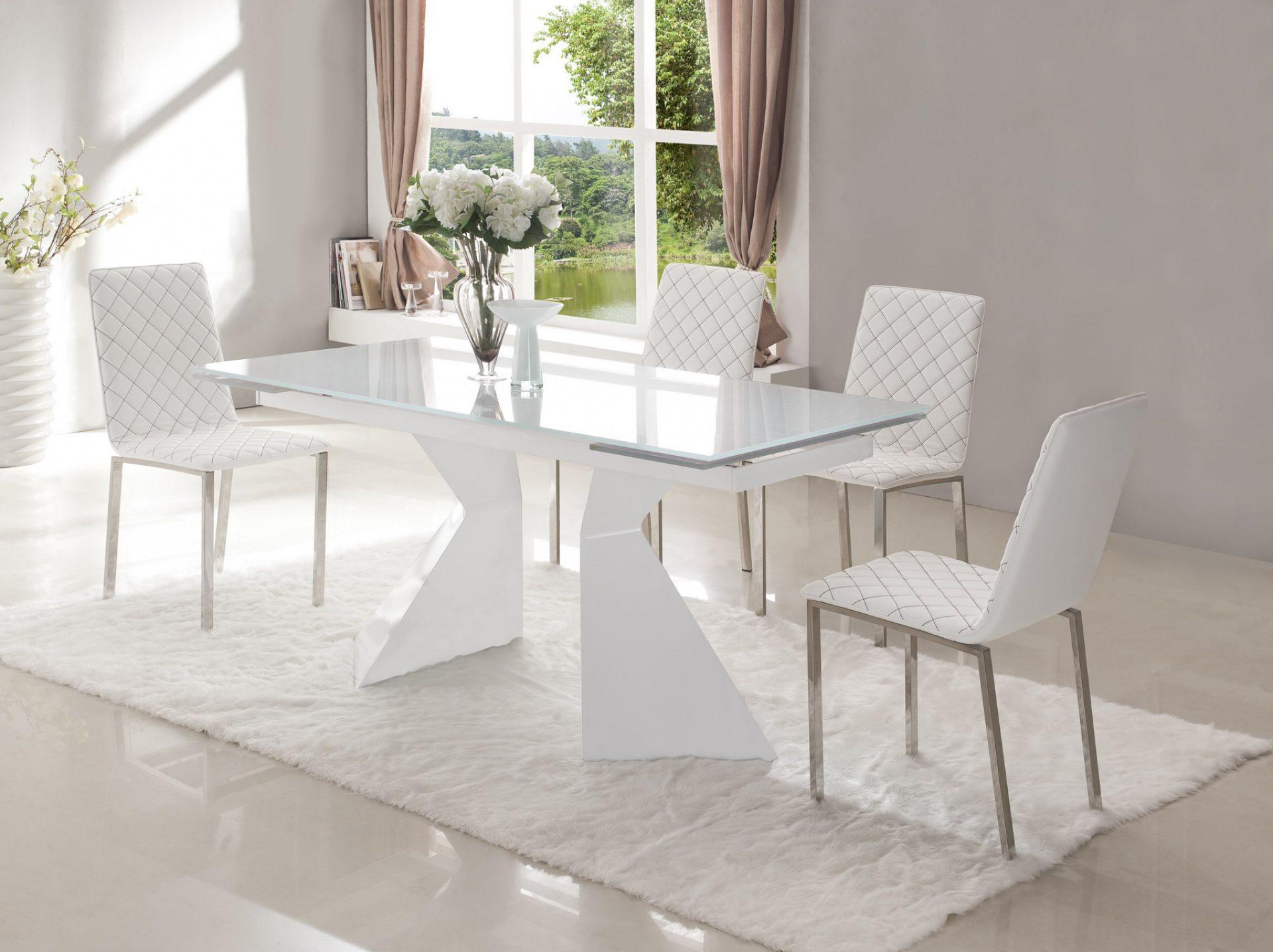 Стол ESF CT992 белый в сложенном состоянии и стулья ESF BZ-692 белый