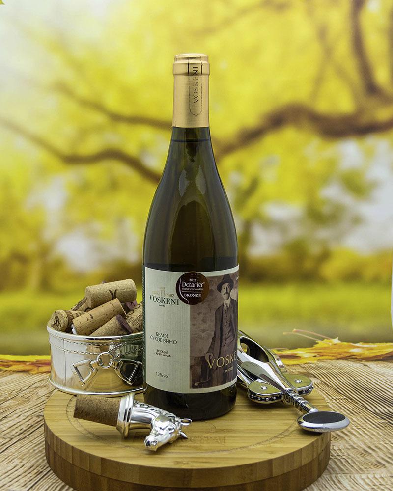 Вино Voskeni Белое сухое 13% 0,75 л.