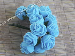 Букет из латексных розочек голубой