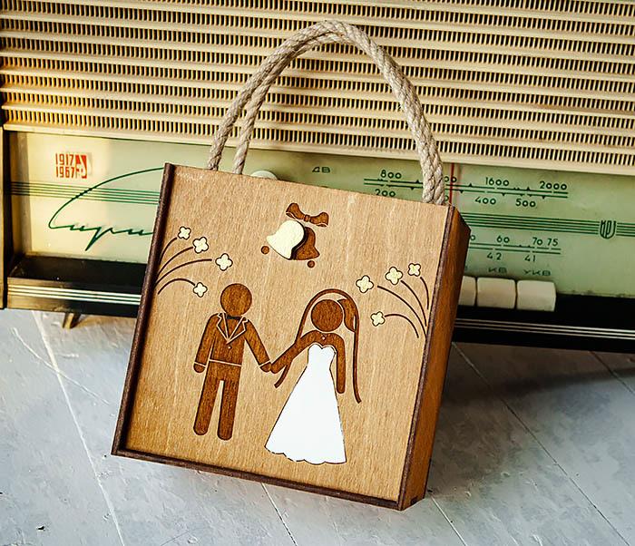 BOX250-2 Свадебная коробка для подарка с веревочными ручками (17*17*10 см)