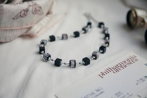 Ожерелье из муранского стекла Arlecchino Cubo серебристое