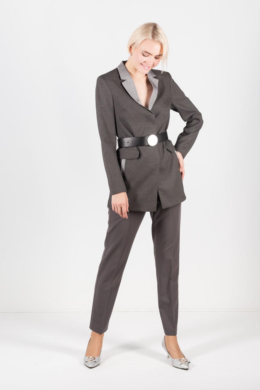 Жакет Д500-145 - Стильный пиджак свободного прямого силуэта из фактурной ткани. Классический отложной воротник из контрастной ткани, супатная застежка на пуговицах и функциональные карманы. Отлично смотрится в стиле Casual с джинсами или узкими брюками, с обувью без каблука и отвернутыми рукавами. Или станет прекрасным офисным вариантов в сочетании с классической юбкой, брюками или платьем.