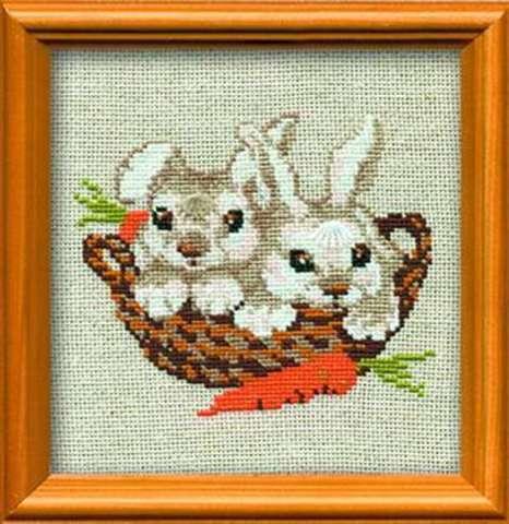 Набор для вышивания крестом «Зайцы» (676)