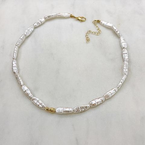 Колье из малых вытянутых барочных жемчужин (золотистый)