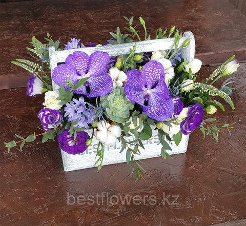 Ящик с цветами Ванда