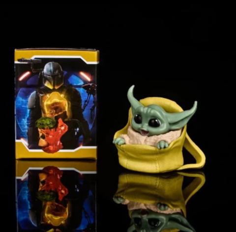 Фигурка Star Wars: The Mandalorian - Baby Yoda in Bag