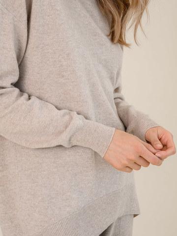 Женский джемпер бежевого цвета из шерсти и кашемира - фото 3