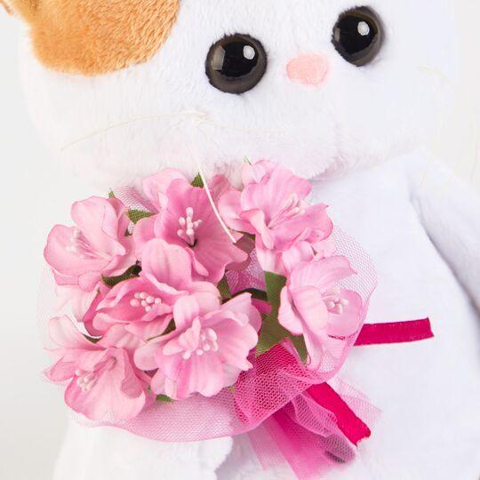 Кошечка Ли-Ли с розовым букетом